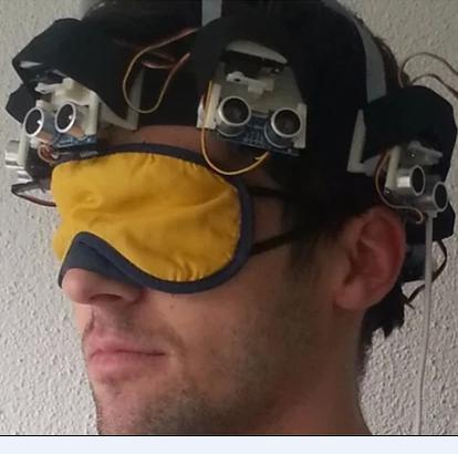 超聲波傳感器頭盔 閉著眼也能正常走路